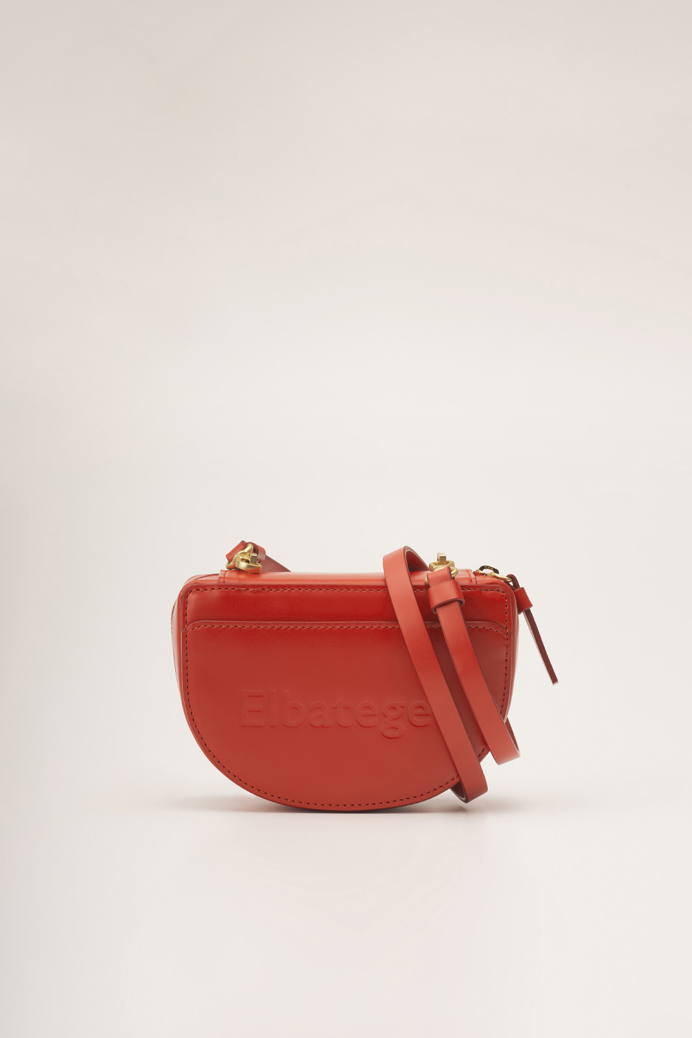 Nuts Bag in Berry Red[하연수 착용]